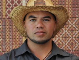 iwi-le-comte-maori-carver